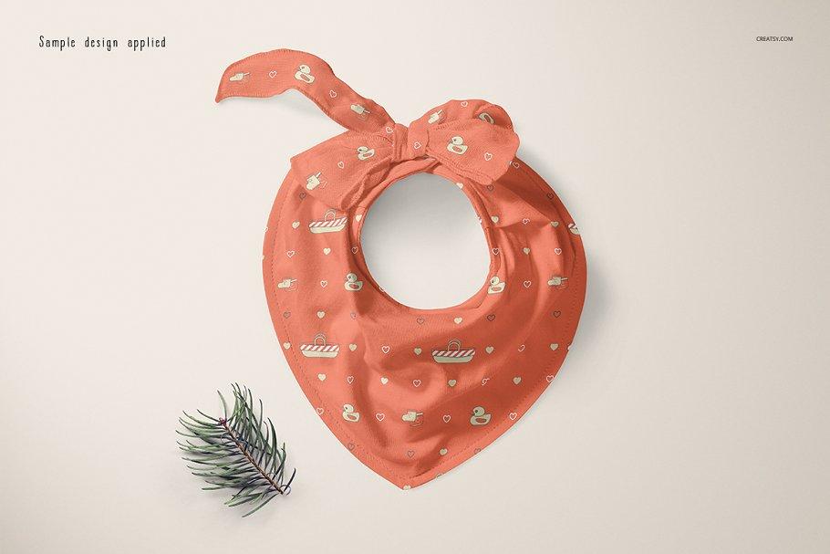 婴儿头巾围兜样机套装PSD模板 Baby Bandana Bib Mockup Set插图(3)