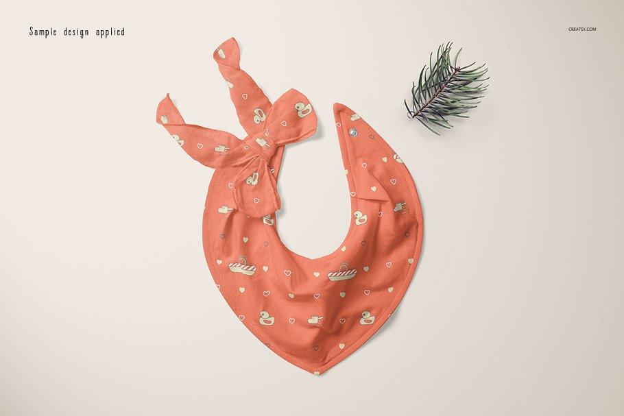 婴儿头巾围兜样机套装PSD模板 Baby Bandana Bib Mockup Set插图(4)