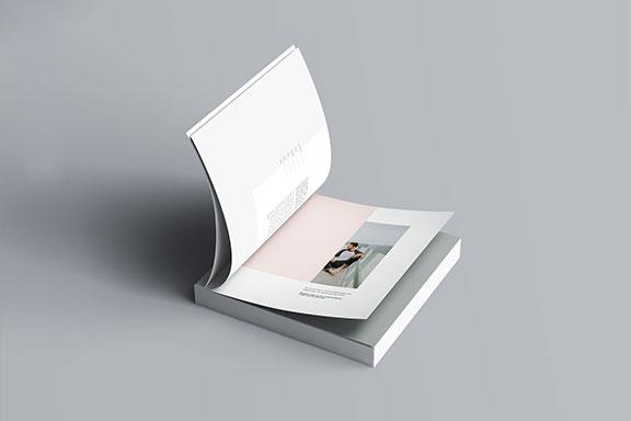方形精装书画册封面设计预览效果样机模板 Square Softcover Book Mocku