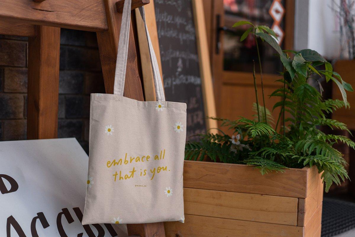 23款时尚生活方式手提帆布袋设计样机模板素材合集 Canvas Tote Bag Mockup Lifestyle插图(8)