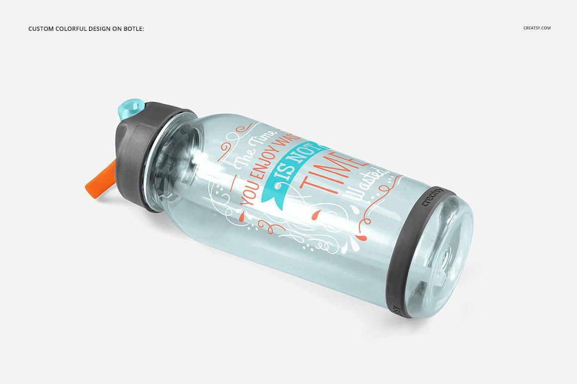 顶部翻转透明塑料水瓶外观设计效果图样机模板 Flip Top Clear Water Bottle Mockup插图(5)