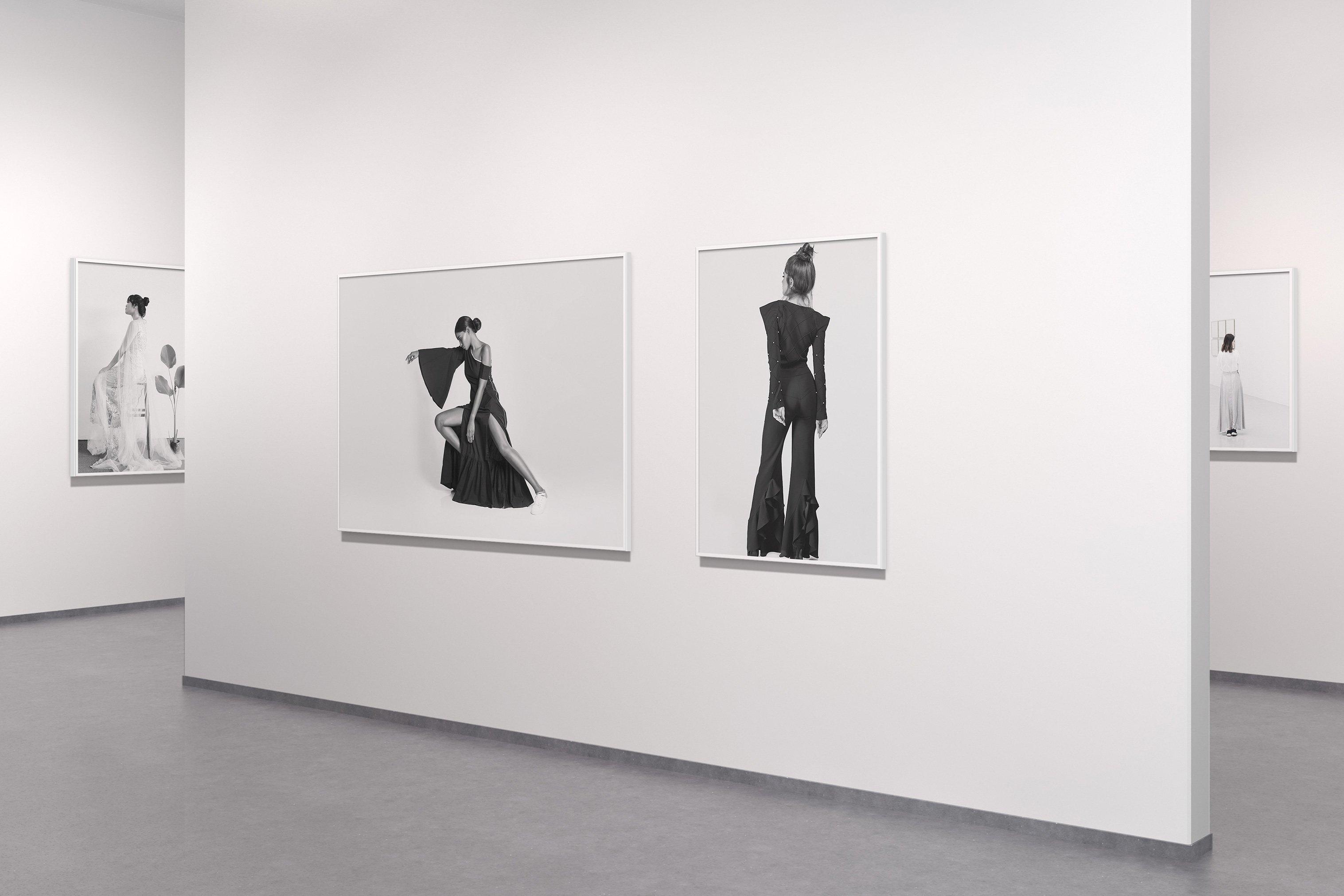 美术馆绘画艺术品相片展示样机模板 Art Gallery Mockup插图(8)