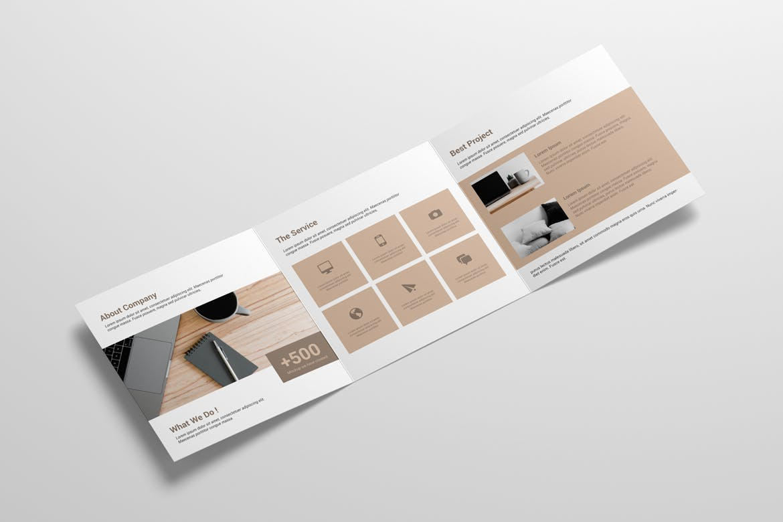 8款方形三折页小册子设计样机 Square Trifold Brochure Mockup插图(1)