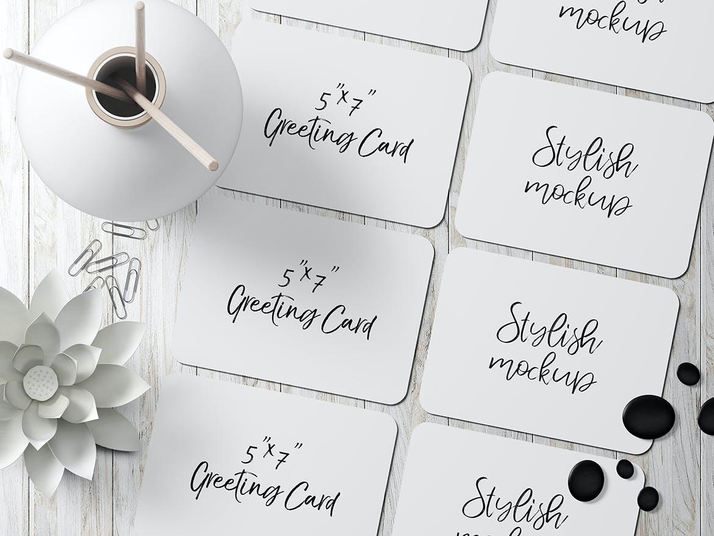 7×5圆角贺卡&明信片设计展示样机套装 7×5 Rounded Corners Greeting Card Mockup Set 2插图(4)