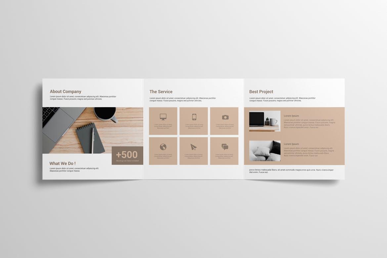 8款方形三折页小册子设计样机 Square Trifold Brochure Mockup插图(5)