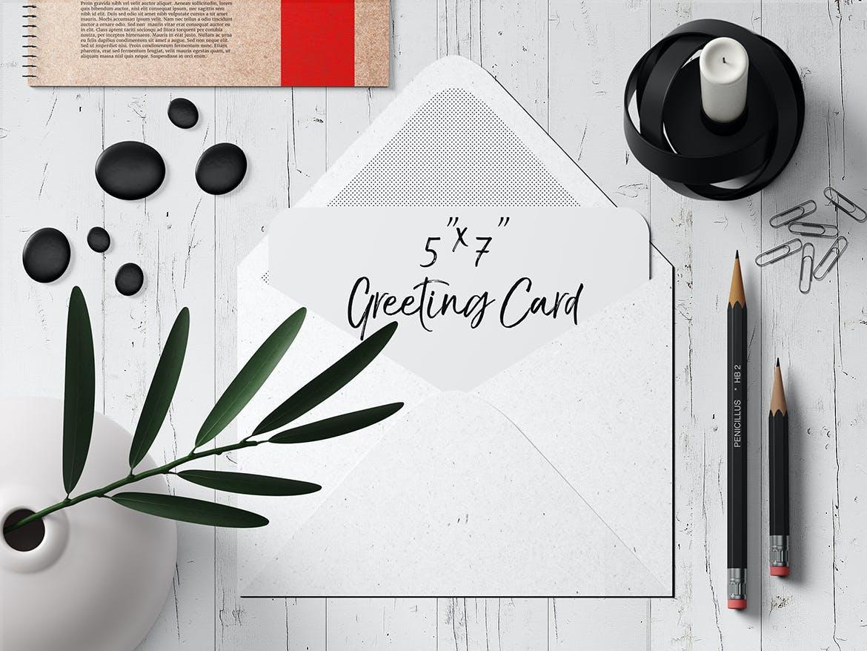 7×5圆角贺卡&明信片设计展示样机套装 7×5 Rounded Corners Greeting Card Mockup Set 2插图(5)