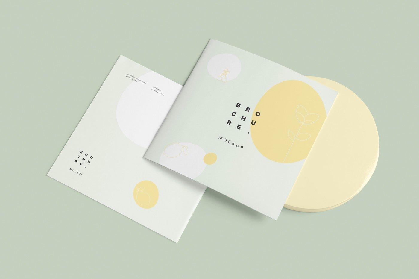 软封面方形小册子设计展示样机 Soft Cover Square Brochure Mockups插图(2)