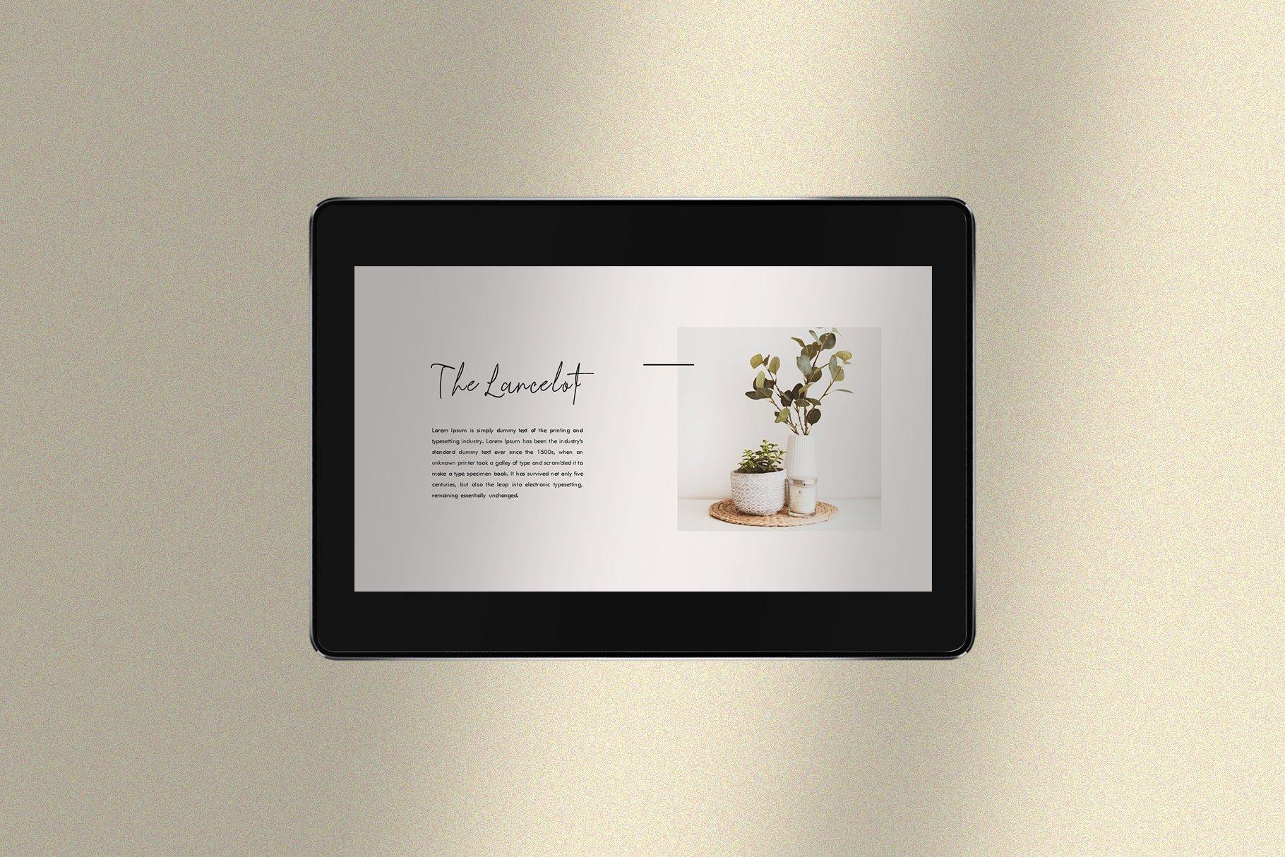 时尚简约女性服装摄影作品集PPT幻灯片模板 Lancelot Presentation Template插图(2)