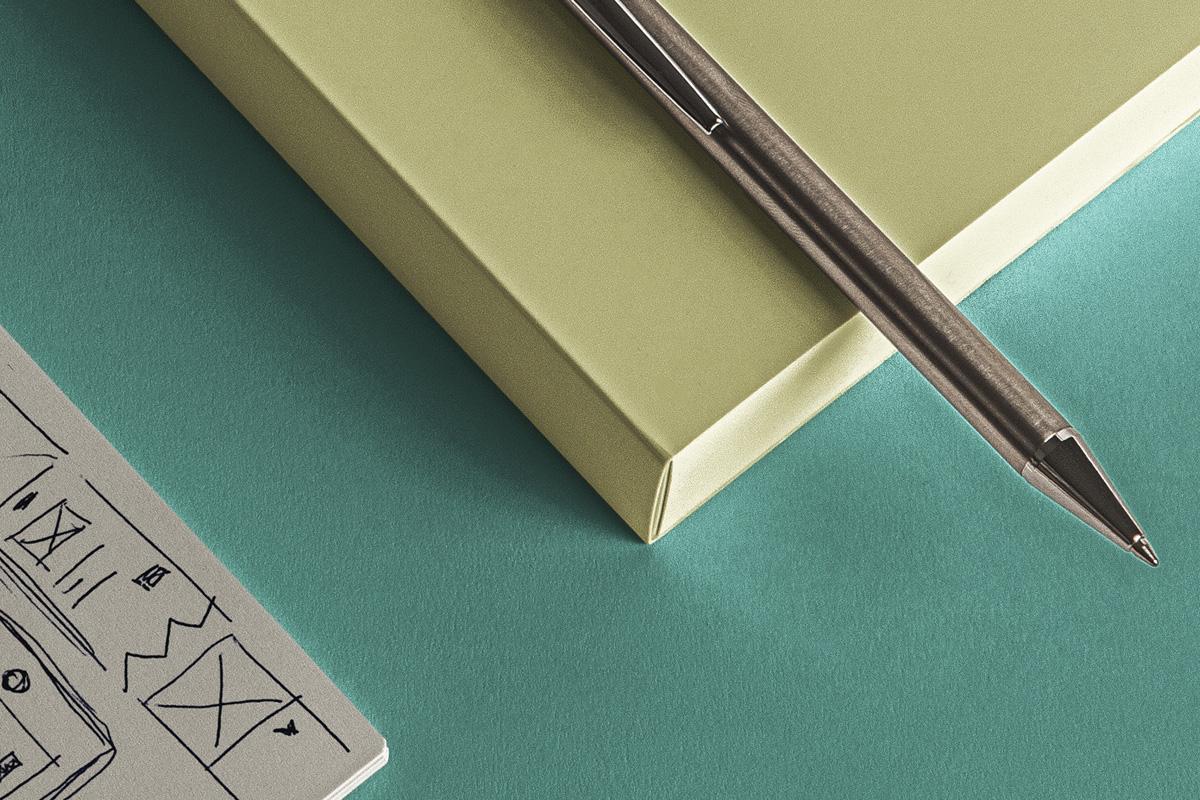 简约铁环笔记本包装盒设计展示样机模板 Desk Psd Ringed Notepad Mockup插图(4)