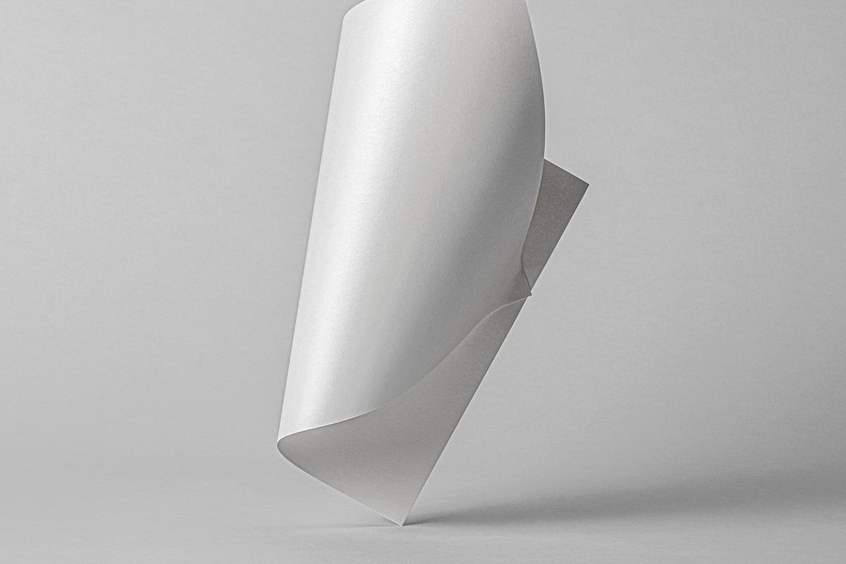悬浮光泽海报宣传单页设计展示样机 Folded Psd Paper Mockup插图(5)