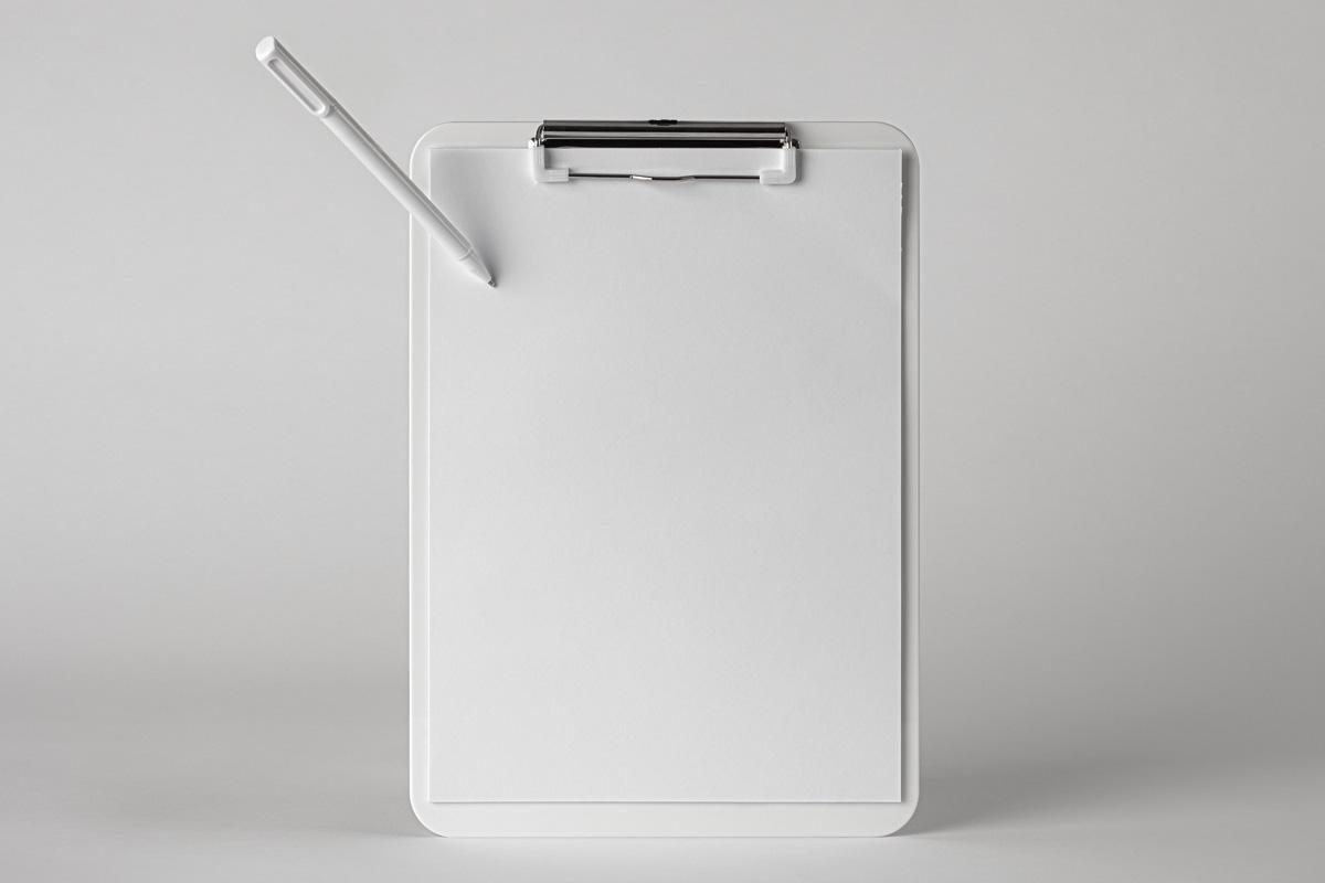 优雅办公餐厅菜单剪贴板设计PSD样机模板 Paper Clipboard Psd Mockup Scene插图5
