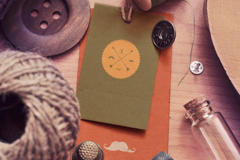 复古老式服装标签标牌设计展示贴图样机 Vintage Label Mock-ups插图
