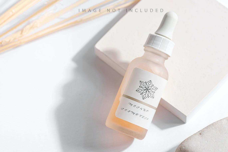 6款药物化妆品滴管瓶设计展示贴图样机合集 Dropper Bottle Mockup Set插图5