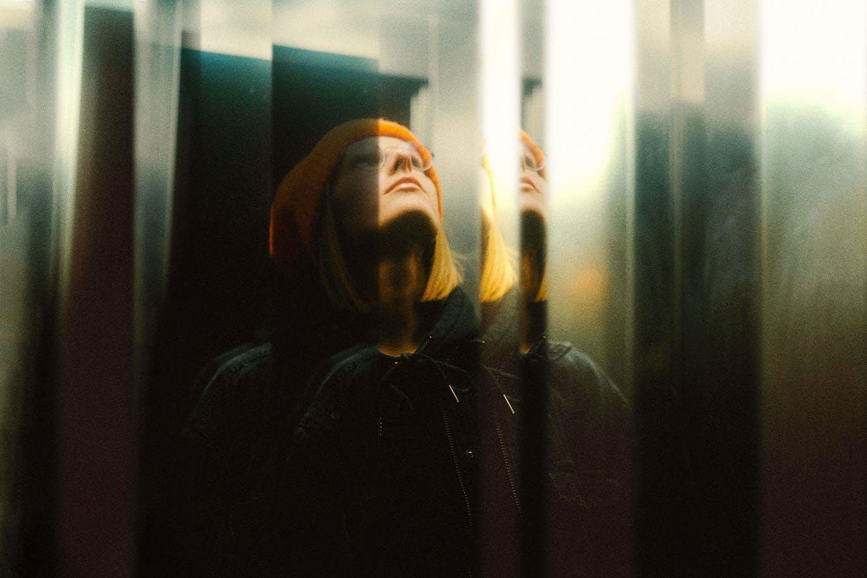 潮流分形镜照片效果图片处理特效PS样机模板素材 Fractal Mirror Photo Effect插图1