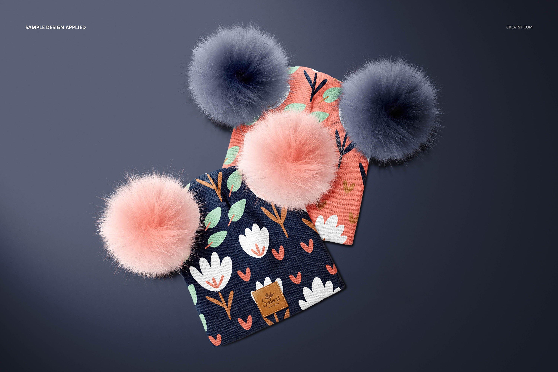毛绒绒绒儿童毛线无檐小便帽设计展示样机集 Beanie with Fur Pompons Mockup Set插图4