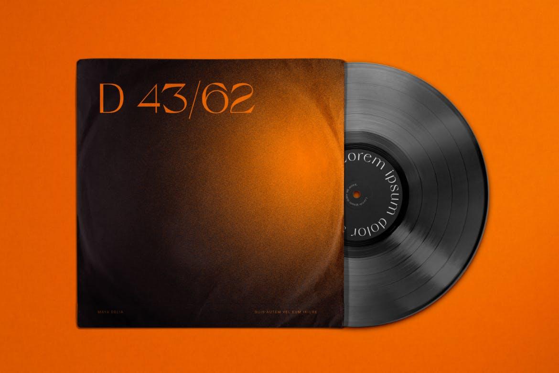 复古黑胶唱片包装袋设计PS贴图样机模板 Vinyl Record & Cover Mockup插图2
